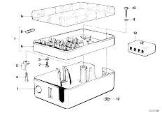 E12 520 M10 Sedan / Vehicle Electrical System Fuse Box