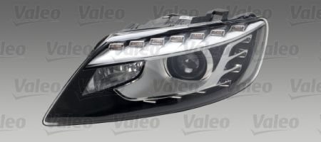 headlight with defects not original left / for parts only